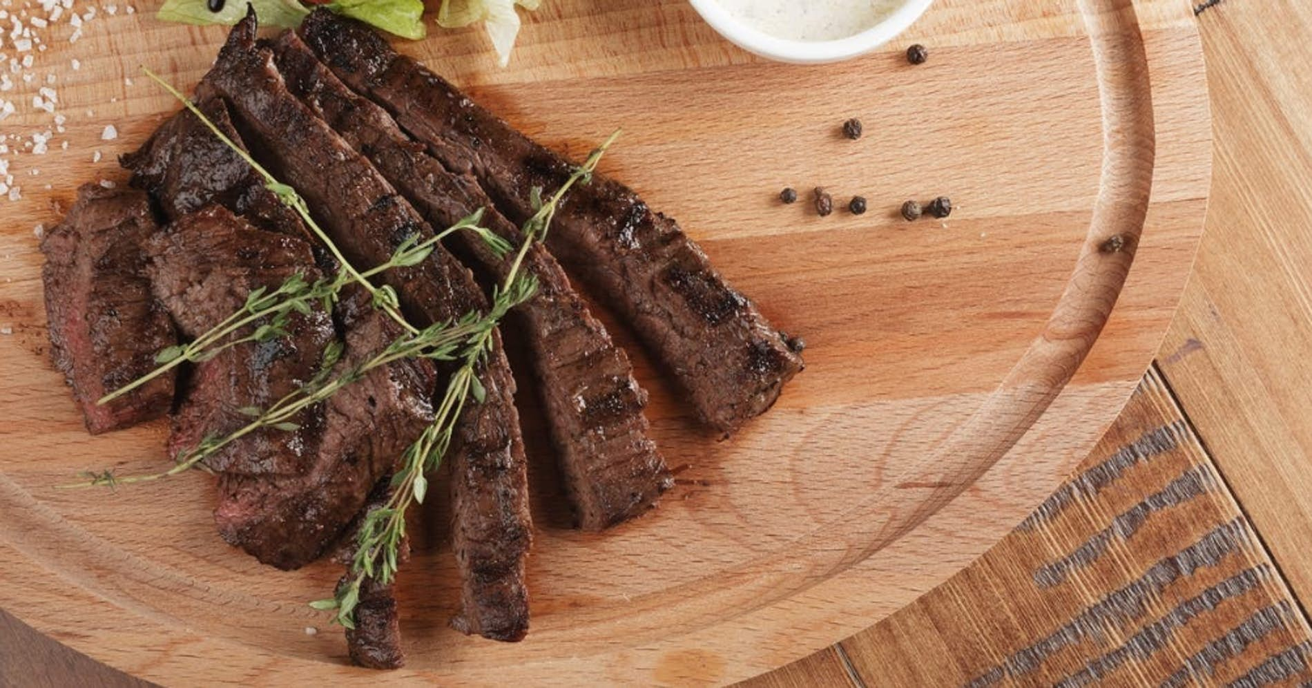 Pan-Seared Skirt Steak With Garlic Thyme Butter