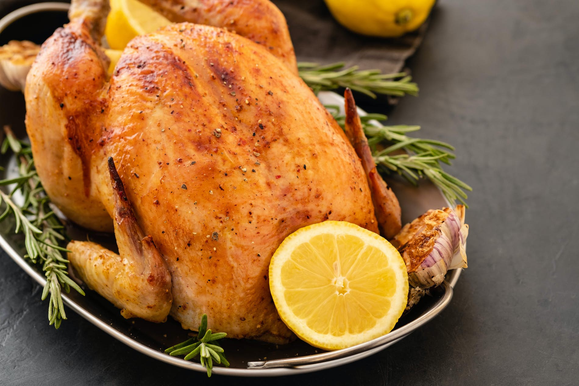 How to Cook a Whole Stuffed Chicken with Applebread Stuffing