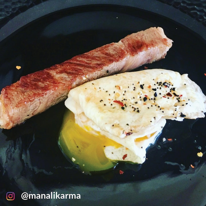 Wagyu and pastured eggs, taken by @manalikarma